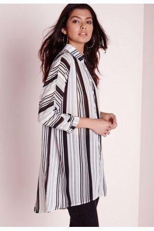 5 v tements essentiels que toute femme devrait avoir dans sa garde robe - Changer sa garde robe femme ...