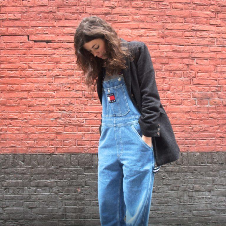 0d4d8862dca Retour dans les années 90 grâce à la collection Tommy Jeans de Tommy  Hilfiger