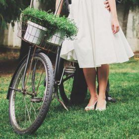 Une robe low-cost pour un mariage moderne