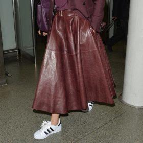 La jupe en cuir en trois looks