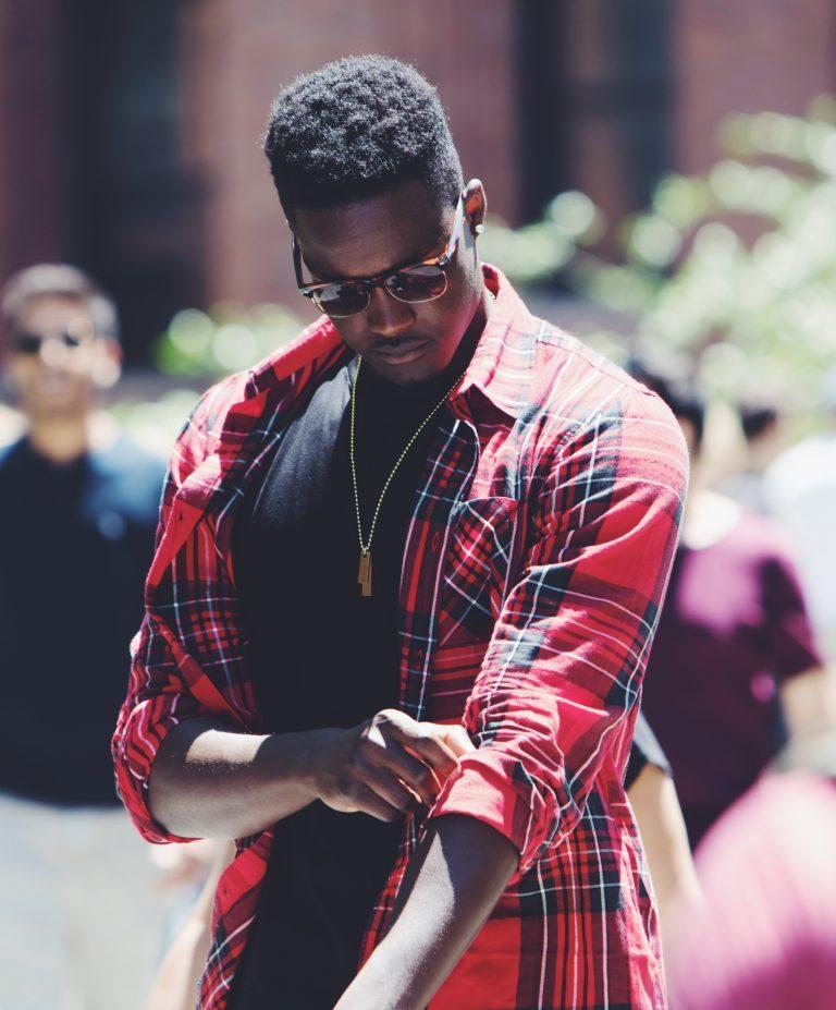Mode homme: quelle tenue pour un été en ville?