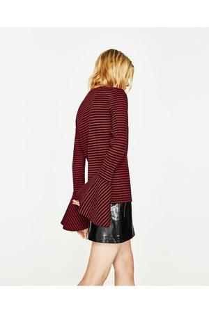 Femme Pulls en maille - Zara PULL CÔTELÉ À VOLANT - Disponible en d'autres coloris