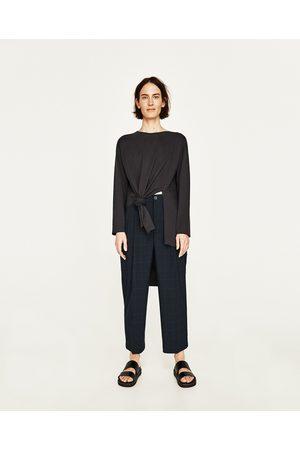 Femme T-shirts - Zara T-SHIRT ASYMÉTRIQUE À FENTES - Disponible en d'autres coloris