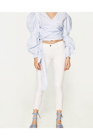 Femme Jeggings - Zara JEGGING BODY CURVE TAILLE BASSE CROPPED - Disponible en d'autres coloris