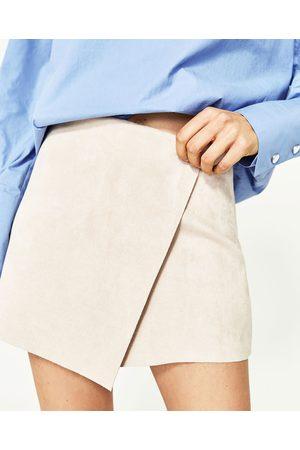 c783aef755 Femme Shorts - Zara SHORT EN SUÉDINE - Disponible en d'autres coloris
