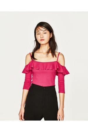Femme T-shirts - Zara T-SHIRT À ÉPAULES DÉNUDÉES - Disponible en d'autres coloris