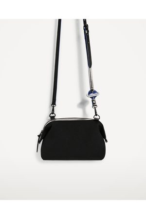 sacs en bandouli re femme zara pas cher en promo. Black Bedroom Furniture Sets. Home Design Ideas