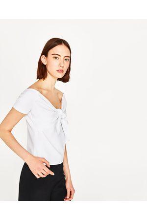 c6f523a9bbe Femme T-shirts - Zara T-SHIRT AJOURÉ AVEC LIEN - Disponible en d