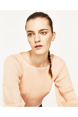 Femme Pulls en maille - Zara PULL CÔTELÉ AVEC MANCHES BOUFFANTES - Disponible en d'autres coloris