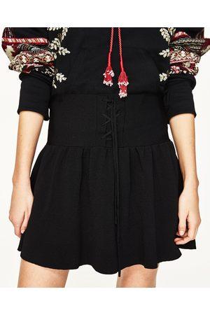 Femme Mini-jupes - Zara MINI JUPE AVEC LACETS - Disponible en d'autres coloris