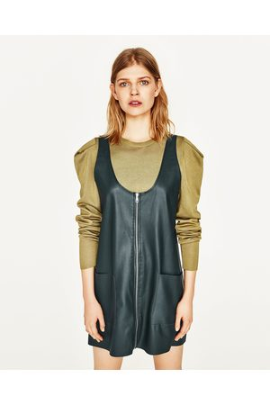 Femme Robes casual - Zara ROBE-SALOPETTE EN SIMILI CUIR ZIPPÉE - Disponible en d'autres coloris