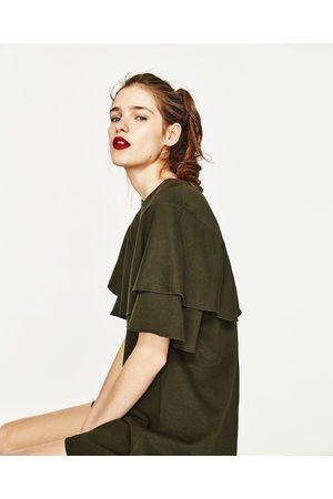 Femme Ponchos & Capes - Zara ROBE AVEC CAPE DOUBLE AUX MANCHES - Disponible en d'autres coloris