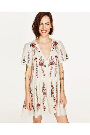 fd28fbf4115 Robe longue imprime fleuri zara – Modèles populaires de robes