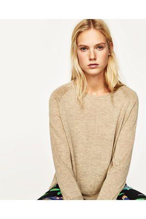 c10ebfbb7a427 ... Femme  Pulls en maille  Zara. Zara PULL FENDU SUR LES CÔTÉS -  Disponible en d autres coloris