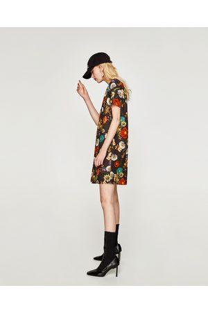 Zara ROBE À MANCHES COURTES - Disponible en d'autres coloris