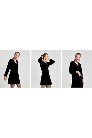 Zara ROBE PORTEFEUILLE COURTE EN VELOURS - Disponible en d'autres coloris