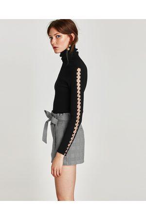 Pantalons courts femme disponible Zara -
