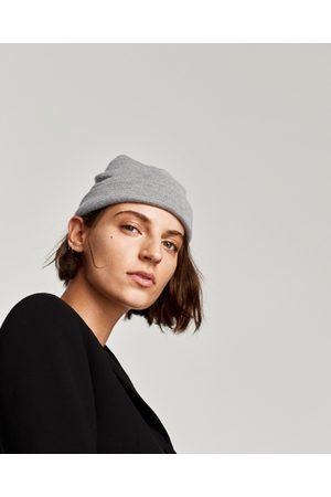 Zara BONNET AU TOUCHER DOUX - Disponible en d'autres coloris