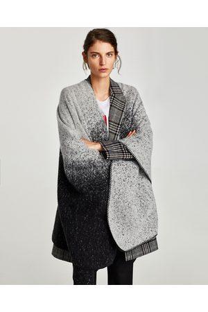 jacquard ponchos capes femme comparez et achetez. Black Bedroom Furniture Sets. Home Design Ideas