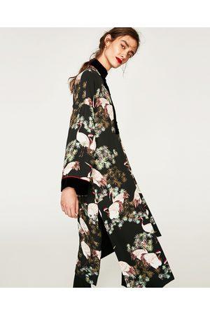 long kimonos femme de couleur noir comparez et achetez. Black Bedroom Furniture Sets. Home Design Ideas