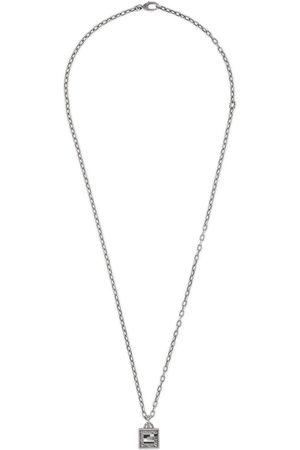 Gucci Collier avec croix G carré en argent