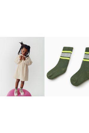 Zara Chaussettes à rayures fluo