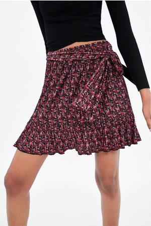 Zara Mini jupe à imprimé fleuri