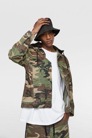 Zara Veste camouflage avec capuche bimatière
