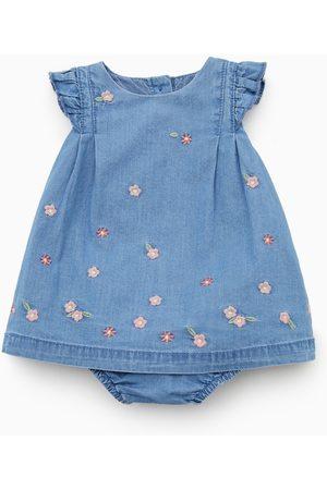 Zara Bébé Robes imprimées - Robe à fleurs brodées