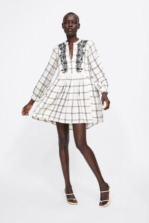 Zara Femme Robes imprimées - Robe à carreaux brodée