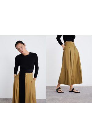Zara Pantalon court et large