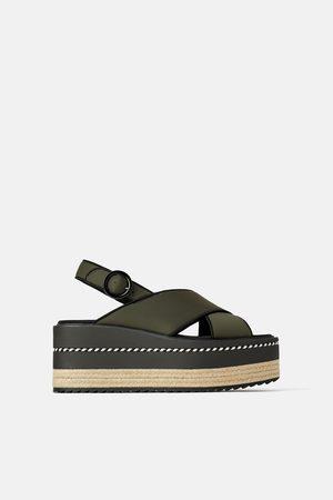 Zara Chaussures à talons compensés en tissu technique