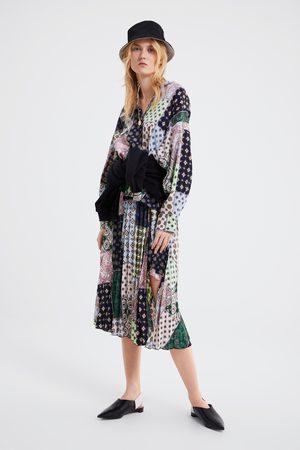 Zara Jupe plissée à imprimé patchwork