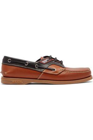 Prada Chaussures bateau en cuir