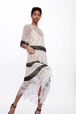 Zara Femme Robes - Robe en matières variées avec dentelle