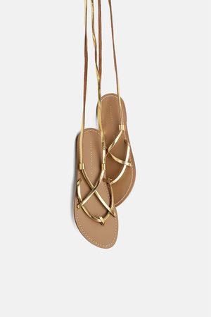 Zara Femme Sandales - Sandales plates en cuir à brides