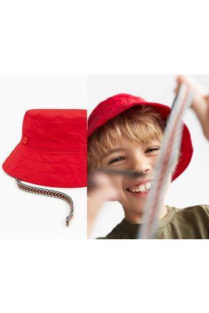 Zara Chapeau à lacets imprimés