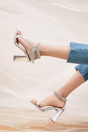 Zara Sandales métallisées à talons et pierres