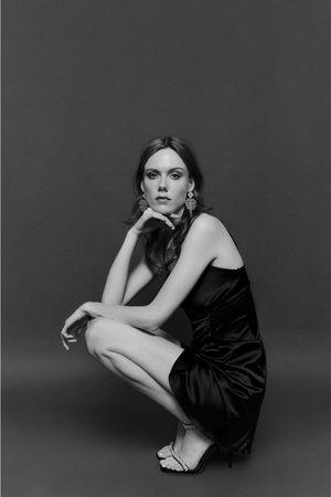 Zara Robe style lingerie avec boutons