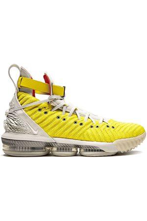Nike Baskets Lebron 16