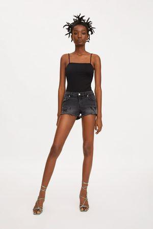Zara Short en jean hot pant taille basse