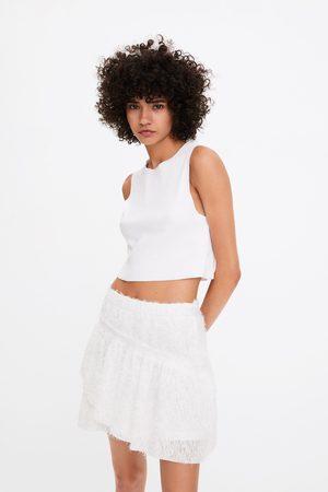 Zara Mini jupe texturée à volant