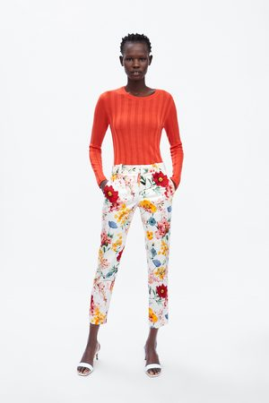 Zara Pantalon chino à imprimé floral