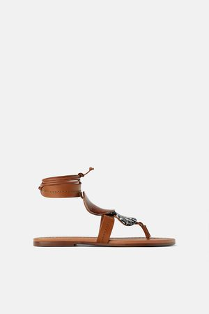 Zara Sandales plates en cuir à pièces