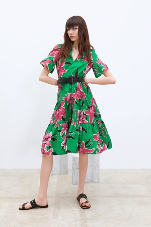 Zara Robe à imprimé floral et ceinture