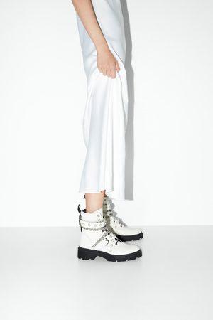 Zara Boots de motard plates en cuir