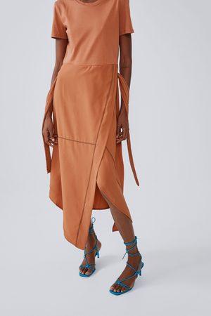 Zara Robe mi-longue avec coutures