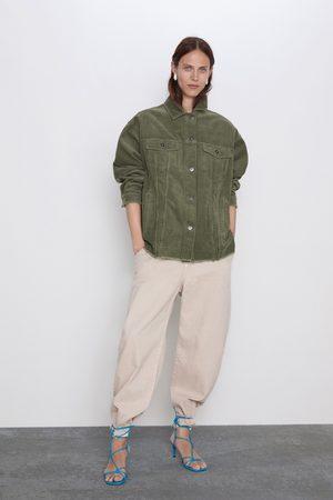 Zara Surchemise en velours côtelé à poches