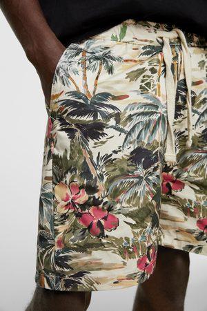 Zara Bermuda à imprimé tropical