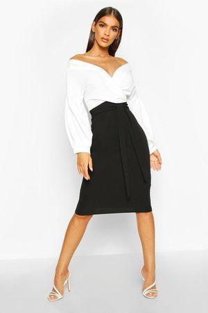Boohoo Robe Midi Cache-Cœur Épaule Dénudée Contrastées